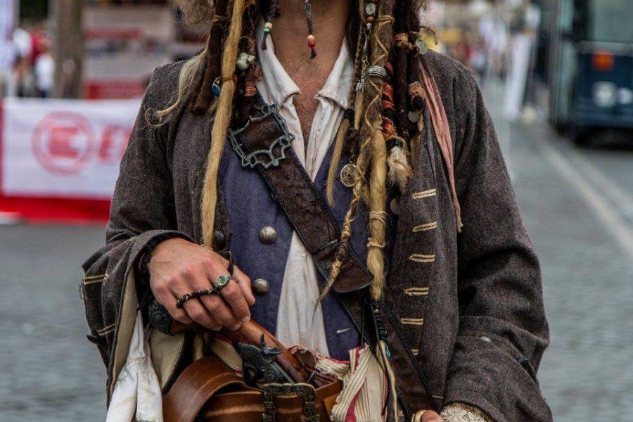 Behind an Artist – Viaggiatore Magico