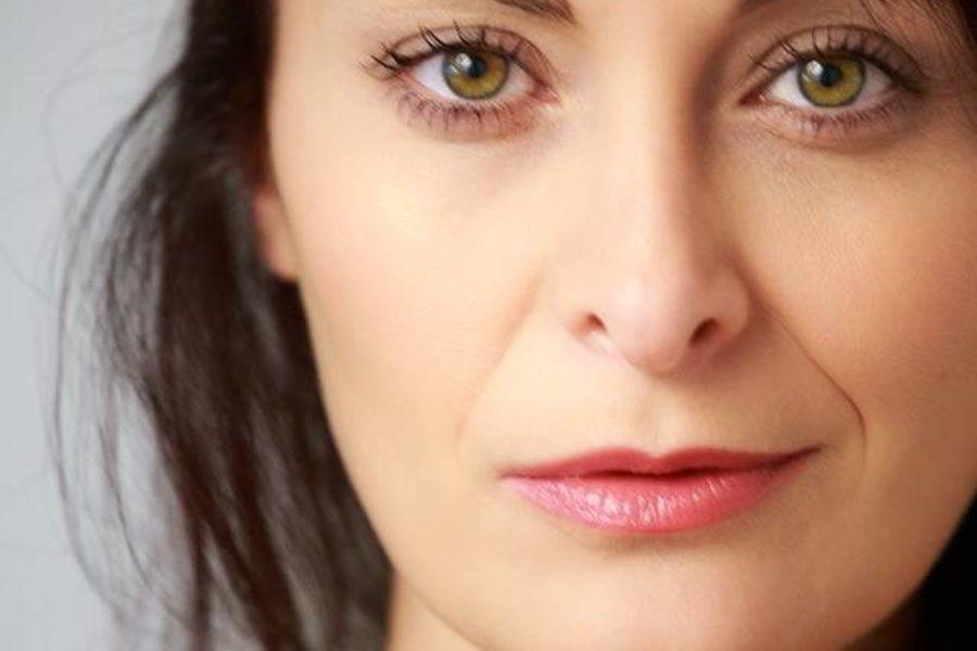 Behind An Artist – Katia